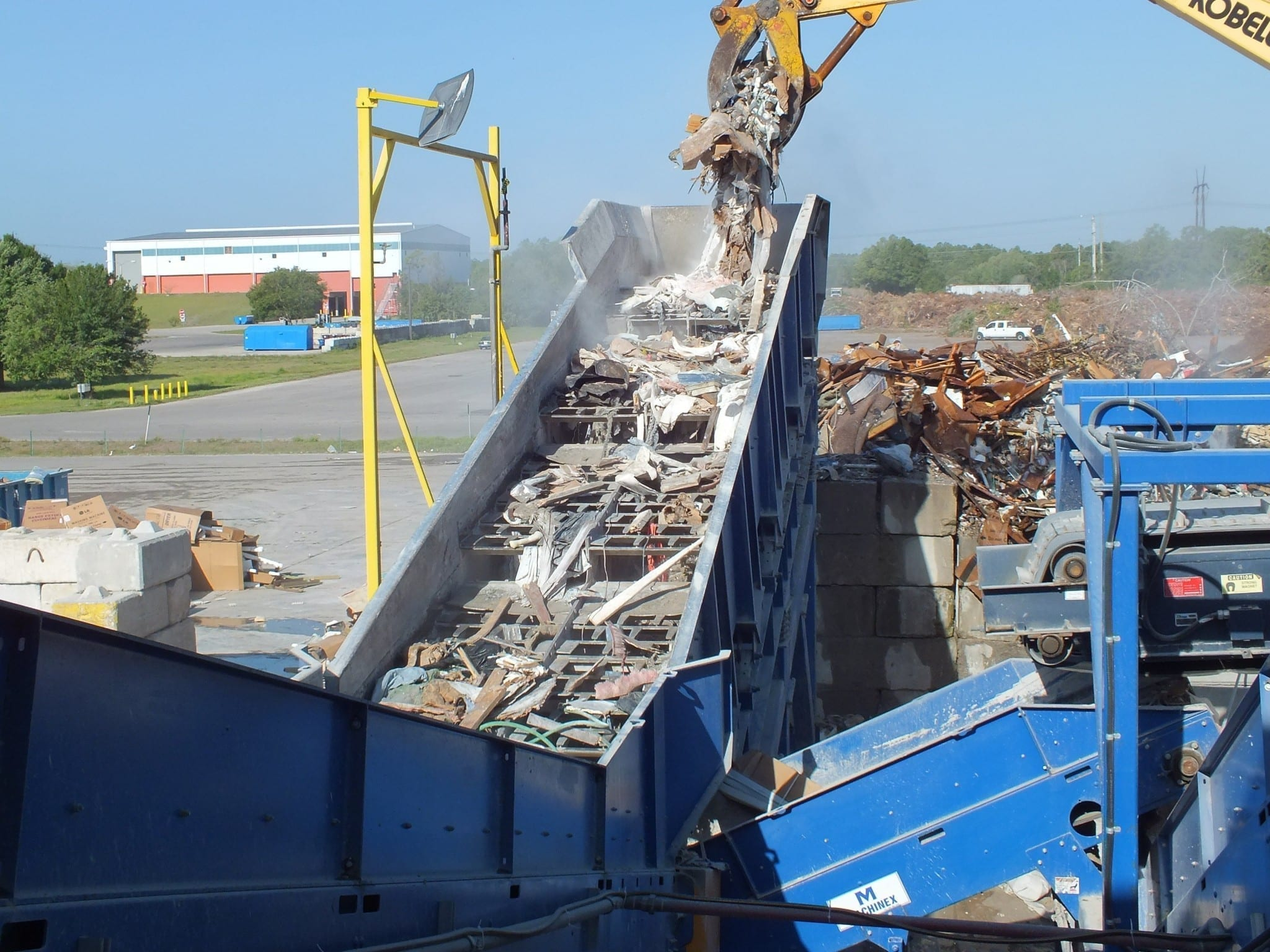 Construction & demolition waste conveyor